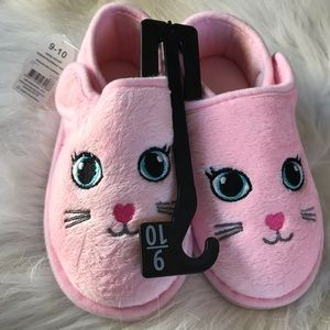 Other - Kitty slippers size 9/10